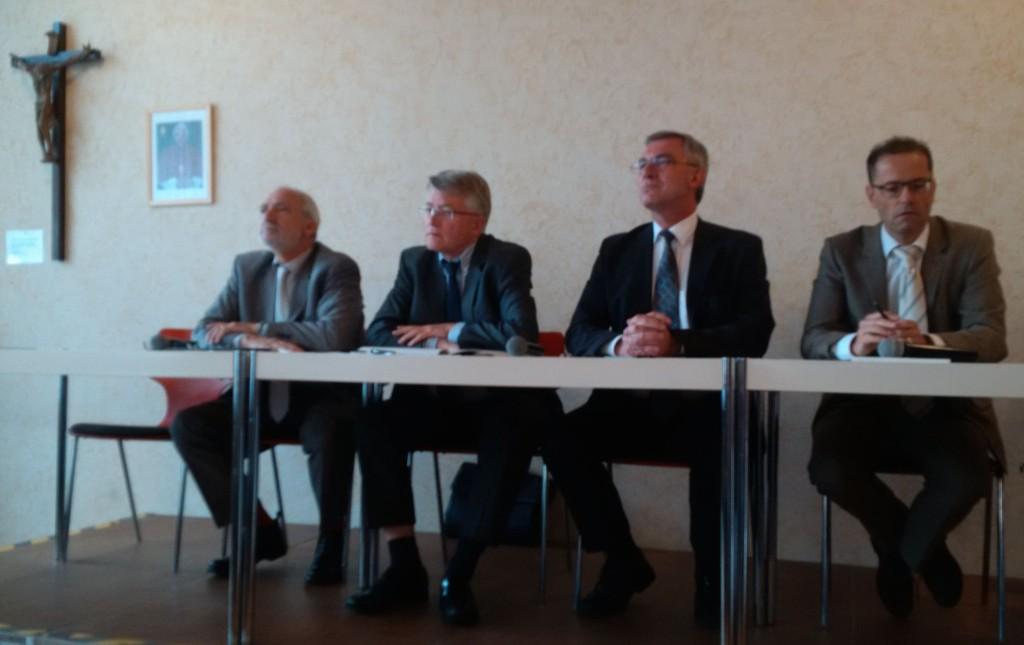 Die Kandidten Woywod, Birkenkamp, Pesch und der Moderator Kleeberg.